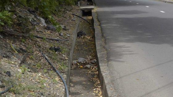 Le drain ne mène nulle part: une odeur nauséabonde importune à la Croisée Cité La Cure