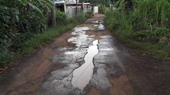 Montagne-Longue: la route principale transformée en mare de boue