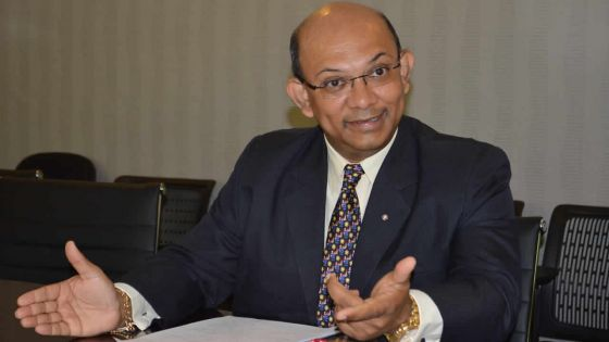 Retour d'Étienne Sinatambou au ministère des TIC: les opérateurs satisfaits d'avoir un ministre «à plein-temps»