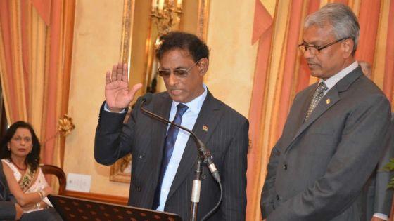 Présidence :Barlen Vyapooree démissionne