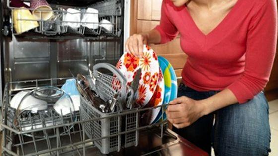Trois astuces pour désodoriser le lave-vaisselle