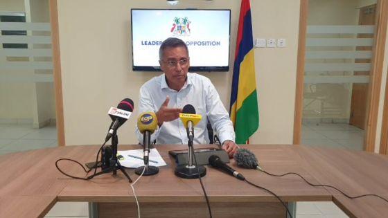 Suivez en direct la conférence de presse du leader de l'opposition, Xavier-Luc Duval