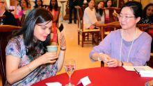 Sous le charme de la culture chinoise : les épouses des ministres se prêtent au jeu