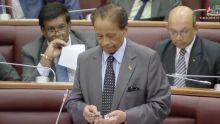 Des téléphones miniatures dans les parties privées des prisonniers : Sir Anerood Jugnauth produit les preuves à l'Assemblée nationale
