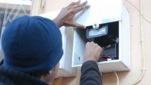 Déconnectés du réseau du CEB : ils vivent sans électricité depuis un an