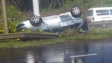 Réduit : une voiture se renverse