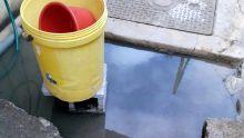 Tout-à-l'égout : Les eaux affluent à son domicile lors des grosses pluies