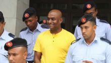 En prison : Peroomal Veeren pourra garderses lampes allumées jusqu'à minuit