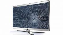 Il prend lui-même livraison de l'appareil : sa télé abîmée, le magasin lui réclame Rs 23 000 pour les réparations