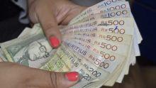 Sous le charme d'une femme de 25 ans : un chargé de cours se fait arnaquer de plus de Rs 3,5 millions