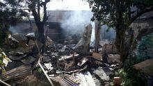 Incendie à Quatre-Bornes : les officiers de la NEF sur les lieux du sinistre