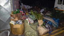 Port-Louis : des ordures entassées sur un terrain en friche durant la nuit