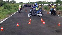 Moto-écoles : la difficulté des examens de conduite contestée