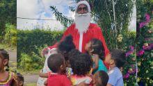 Un câlin au Père Noël : la cerise sur le… cadeau !