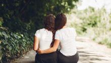Lesbianisme en milieu scolaire : des adolescentes s'affichentet s'affirment ouvertement