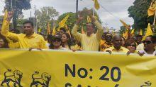 Nomination Day : Roshi Badhain, leader du Reform Party arrive au Nomination Centre du no 20