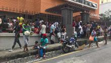 Demandes de compensations : postes de police et bureau de la Sécurité sociale pris d'assaut