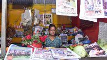 Rajeshwaree Manesing gère l'unique point de vente de journaux de Mon-Goût