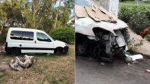 D'autres véhicules abandonnés pullulent
