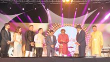 Célébrations de Divali : les stars indiennes illuminent Triolet