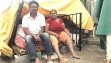 À Bambous : Expulsé, un couple dortsous une tente de fortune