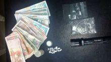 À Cap-Malheureux : héroïne, cannabis et 'stun gun' saisis par l'Adsu