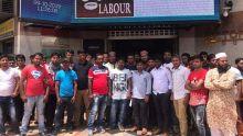 Port-Louis : des travailleurs bangladais rassemblés devant les locaux du ministère du Travail