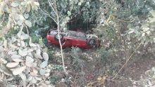 A Vacoas : il sort indemne après que sa voiture a chuté dans un ravin