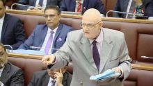 Au Parlement : entre «Mo pa enn zwiser», «Atane zanvie to kari pou kwi» et «mett lisien vey sosis»