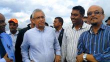 Présence remarquée de Hurrydeo Bholah aux côtés du PM à Grand-Bassin : «Amertume sa lao la ki regler sa»