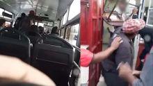 Il ne serait pas arrêté à un arrêt d'autobus : un chauffeur de la TBS agressé par des passagers