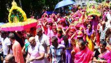 Sittirai Cavadee à la gloire spirituelle du dieu Muruga