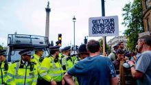 4 Minutes aux 4 Coins du Monde : Londres, des milliers de manifestants ont défilé contre «un abus envers la démocratie»