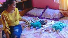 Devina : sa première fête des mères avec ses quadruplés