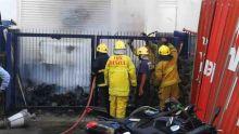 Port-Louis : incendie dans la cour du bâtiment Rogers