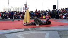 Dragon Boat Festival au Caudan : un invité surprise se met à danser et provoque un fou rire général