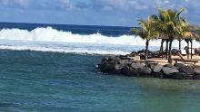 Des houles de cinq mètres attendues à Maurice : les sorties à la plage fortement déconseillées