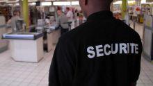 Agent de sécurité : il est privé de son boni de fin d'année et de son salaire depuis février