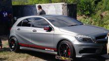 Descente de l'Icac à Baie-du-Tombeau : deux nouvelles voitures de luxe saisies