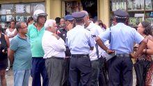 Le manque d'eau décrié : deuxième jour de manif pour des habitants de Cité Versailles, Forest-Side