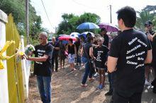 Albion : des habitants rendent hommage aux victimes de meurtres perpétrés dans la région