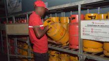 La bonbonne de gaz passe à Rs 210