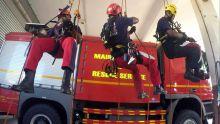 Mon Loisir : Le grutier suspendu dans le vide récupéré par les secours d'urgence