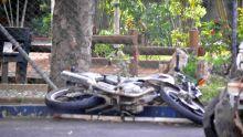Un motocycliste se bat pour sa survie
