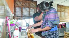 Violence domestique - Neeshta : «Quand je lui demande de partir, il exige Rs 150 000»