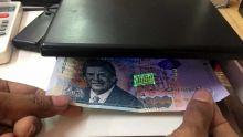 Circulation de faux billets : les commerçants ont-ils le droit de refuser un billet de Rs 2 000 ?