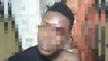 Un pompier dépouillé et agressé au sabre : un suspect de 17 ans, battu et remis à la police par le public