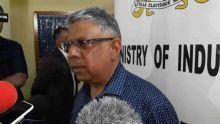Hausse des prix des carburants : Ashit Gungah demande à la population de se montrer patriote