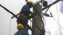 Coromandel : plusieurs abonnés privés d'électricité après qu'un pylône a pris feu