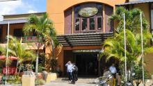 Un salon de massage à Pereybère perquisitionné : un homme et quatre femmes arrêtés